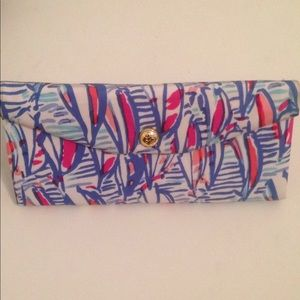 Lilly Pulitzer Red Right Return Sunglasses Case
